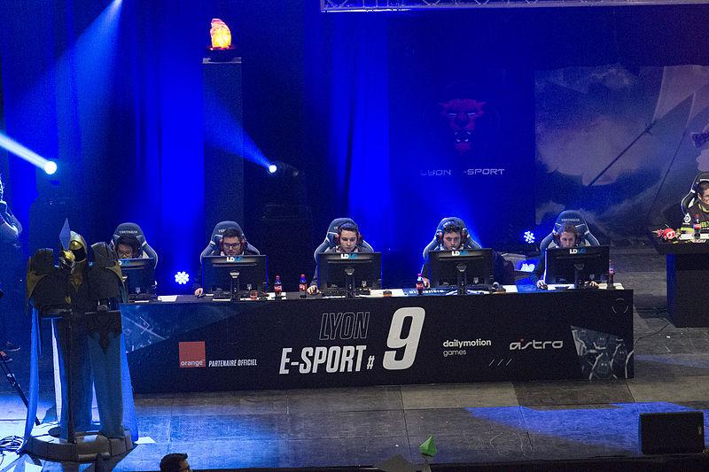 E-sport – czym jest, jaka jest jego historia i popularność?