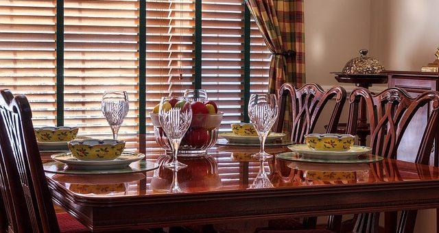 Wino coraz częściej gości na polskich stołach