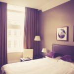 Jak dobrać zasłony do wystroju mieszkania i ile to kosztuje?