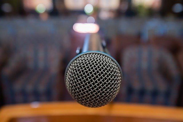 Autoprezentacja i wystąpienia publiczne – szkolenia