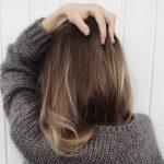 Jak poradzić sobie z przetłuszczającymi się włosami?