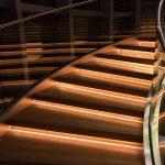 Montaż szklanej balustrady - krok po kroku