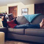 Czyszczenie tapicerki meblowej – krok po kroku